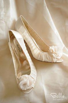 Ruched and bowed ivory wedding shoes #Alfani