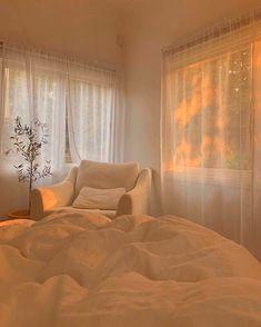 Room Ideas Bedroom, Bedroom Inspo, Design Bedroom, Kids Bedroom, Room Ideias, Aesthetic Room Decor, Beige Aesthetic, Aesthetic Art, Dream Rooms