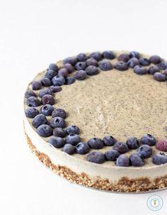 Earl Grey Lemon Cheesecake - Vegan, gluten-free and raw. Only 10 ingredients needed! | glutenfreeveganpantry.com