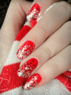 Ida-Marian kynnet / Red nails with glitter tips / #Nails #Nailart