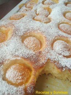 Coca de albaricoques, tipo menorquina. receta paso a paso. http://recetasysonrisas.blogspot.com.es/2014/06/coca-de-albaricoques.html #food #dessert #sweet #fruit #recipe #tutorial #cake #apricot
