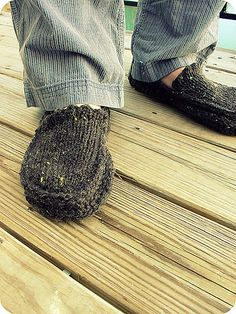 Knitted Moccasin Slippers Pattern : knitted slippers
