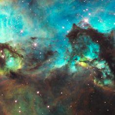 Do espaço profundo até o nosso quintal cósmico, o Hubble já viu de tudo.