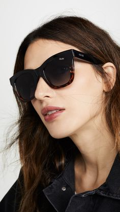 women glasses face shapes 170362798393394034 - Flattering Sunglasses for Round Face Shapes Source by caseymatheny Round Face Sunglasses, Sunglasses Women, Glasses For Face Shape, After Hours, Face Shapes, Classy, Women's Blazers, Pairs, Colorful Fashion