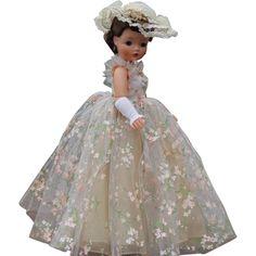 Madame Alexander Cissy Gown #2282 with Crispy