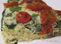 INGREDIENTES: 100 gr. cebolla troceada 6 huevos 100 gr. requesón 100 gr. de mozzarella rallada 100 gr. de brotes de espinacas Sal y hie...