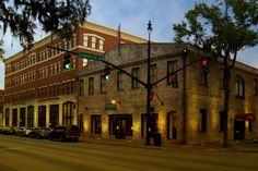 Carey Watermark Investors acquired the Staybridge Suites Savannah Historic District, a 104-room select service hotel located in Savannah, Ga. Description from hotelmanagement.net. I searched for this on bing.com/images
