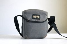 Camera Bag Kiwi Bag Foam Sided Very Protective by FalconandFinch Cute Camera Bag, Camera Case, Photography Supplies, Little Camera, Camera Accessories, Vintage Photography, Kiwi, Polaroid, Bags