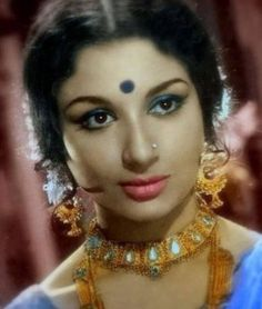 Sharmila Tagore is an Indian actress, who is working in Bengali, Hindi, Marathi, Malayalam and English film industry. Vintage Bollywood, Indian Bollywood, Bollywood Actress, Indian Film Actress, Old Actress, Indian Actresses, Most Beautiful Indian Actress, Beautiful Actresses, Raveena Tandon Hot