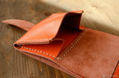 Genuine Leather Wallet Tutorial – Purses And Handbags Diy Diy Leather Wallet Pattern, Leather Bag Tutorial, Handmade Leather Wallet, Diy Bags Purses, Purses And Handbags, Wallet Tutorial, Diy Tutorial, Diy Bags Patterns, Handbag Patterns
