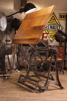 table a dessin ancienne 1930 plus d'info sur : http://ift.tt/1j72nM2 #deco #design #loft #vintage #industriel #antiquitesdesign