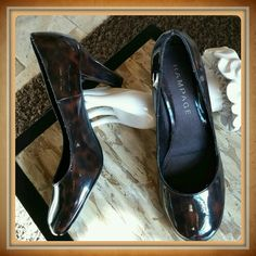❤HOST PICK❤Classy brown patent leather pumps Chocolate brown swirl color.  3 inch heel. Beautiful cond. Rampage Shoes Heels
