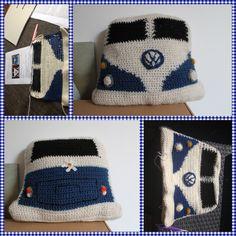 Volkswagen busje gehaakt. #haken #Gehaakt. #Haak #patroon. #Diy #zelfgemaakt #baby #cadeau #kraamcadeau #jongen #meisje #crochet #katoen #acryl #babykamer #decoratie #royal #zeeman