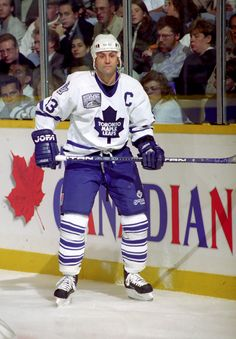 Doug Gilmour as Captain Ice Hockey Teams, Hockey Stuff, Maple Leafs Hockey, Toronto Photography, American Sports, Field Hockey, National Hockey League, Toronto Maple Leafs, Hockey Players