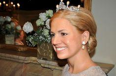 Royal Club - 2 - Page 321 Regina Maxima, Dutch Royalty, Holland, Diamond Earrings, Crown, Club, Jewelry, Fashion, The Nederlands