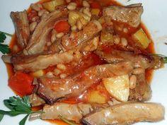 La meilleure recette de Ragout d agneau aux haricots blancs et légumes! L'essayer, c'est l'adopter! 5.0/5 (12 votes), 15 Commentaires. Ingrédients: 550 gr de poitrine d agneau, 180 gr d haricots blancs, 2 carottes, 2 blancs de poireaux, 2 pommes de terre, 2 gousses d ail, thym, une tomate, une cac de concentré de tomate 25 cl de bouillon de volaille,sel,poivre,une cac de purée de piment rouge facultatif, 2 cas de graisse de canard