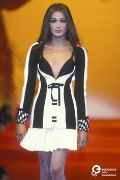 Carla Bruni - Gianni Versace, Autumn-Winter 1991, Couture