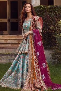 Asian Bridal Dresses, Simple Pakistani Dresses, Indian Bridal Outfits, Indian Fashion Dresses, Pakistani Bridal Dresses, Dress Indian Style, Pakistani Dress Design, Indian Designer Outfits, Bridal Lehenga