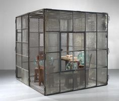 Louise Bourgeois, Cell (Glass spheres and hands)