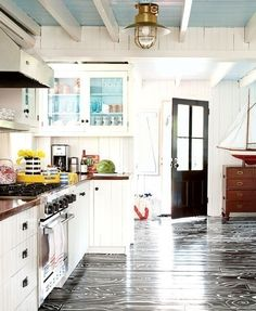 what i consider a cross between cottage & farm house ... gotta love the floors!