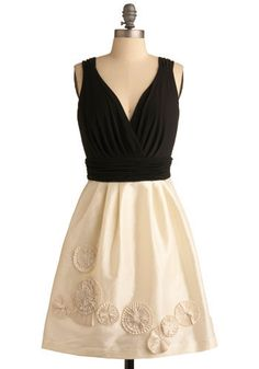 Dress, must have.  Butterick B5319...... I think Lexie would like this