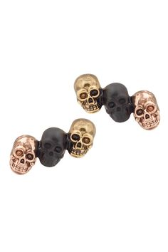 Need it want it! #houseofharlow1960 skull stud earrings!