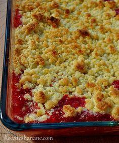 C'est la saison des fraises, profitez-en pour varier les plaisirs! voici une nouvelle recette de crumble et un petit récap de recettes à la fraises La pâte à crumble : 100g de beurre 100g de sucre semoule 50g de poudre d'amande 70g de farine Les fruits...