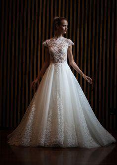 Vestidos de noiva: Lucas Anderi assina coleção para a Cymbeline - Vogue   Noiva