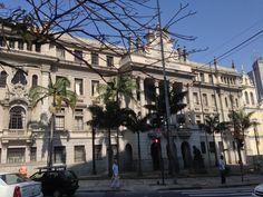 Faculdade de Direito no Largo São Francisco - São Paulo - Brasil -    http://imoveismlara.wordpress.com/ http://www.marcelolara.com.br