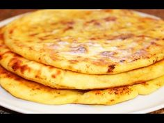 Cheese cake a La Khachapuri Cheesy Bread Recipe, Bread Recipes, Cooking Recipes, Flatbread Pizza, I Foods, Food To Make, Brunch, Food And Drink, Breakfast