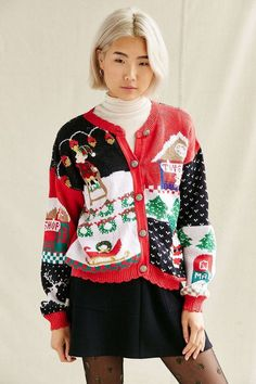 15 Ugly Christmas Sweaters That Will Help You Win The Holidays Vintage Christmas Sweaters, Ugly Holiday Sweater, Ugly Sweater Party, Cardigan Fashion, Sweater Outfits, Cute Sweaters, Urban Outfitters, Vintage Fashion, Christmas Clothes