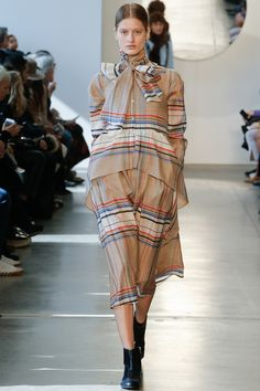Suno Fall 2016 Ready-to-Wear Fashion Show - Dora Stastna
