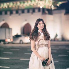 한복 Hanbok : Korean traditional clothes[dress] | #ModernHanbok Korean Traditional, Traditional Clothes, Asian Fashion, Women's Fashion, Fashion Design, Cheongsam Modern, Modern Hanbok, Korean Wave, Korean Dress