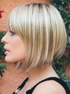 Copper Layered Bob with Bangs - 50 Classy Short Bob Haircuts and Hairstyles with Bangs - The Trending Hairstyle Choppy Bob Hairstyles, Short Bob Haircuts, Hairstyles With Bangs, Black Hairstyles, Hairstyles 2016, Latest Hairstyles, Bob Ross Wig, Wig Bob, Bobs For Thin Hair