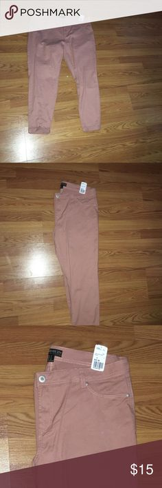 Women's Forever21 Plus boyfriend jeans size 16 Women's plus size 16 Forever21 boyfriend style Jeans Mauve in color, brand new with tags(never worn), jeans are free from any stains, holes, rips or tears all clothing comes from pet free and smoke free home all prices are negotiable and reasonable offers will be considered, cleaning out my closets so make me an offer, prices are heavily discounted and priced to move Forever 21 Jeans Boyfriend