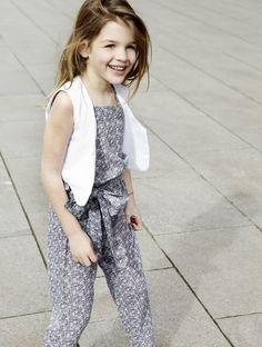 pepitobychus avance primavera-verano 2013  Mono de voile, pantalón largo con lazada delantera y chaleco blanco plumetti  #moda #infantil #niños #niñas