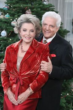 Days of our Lives Doug and Julie Doug is the father of Hope and Julie is Hope's older sister. Doug married Julie after the death of Hope's mother, who is also JULIE's mother.