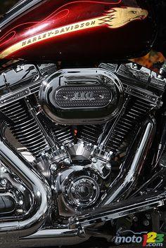 harley-davidson street glide used motorcycles Harley Davidson Cvo, Harley Davidson Street Glide, Harley Davidson Motorcycles, Motorcycle Paint Jobs, Motorcycle Gear, Used Motorcycles, Cool Bikes, Choppers, Photos