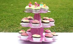 For fun birthday party food ideas, check out these fairy princess recipes for girls. These cupcakes and sweets are perfect for fairy princess parties. Party Food Menu, Best Party Food, Party Food And Drinks, My Little Pony Birthday, My Little Pony Party, Fairy Birthday Party, Birthday Parties, Birthday Cakes, Birthday Ideas