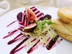 Goat cheese with marinated red beet and fresh figs