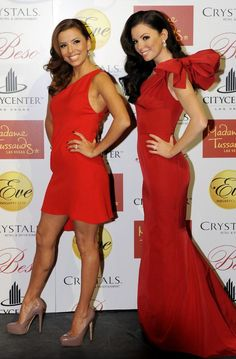 Eva Longoria-Parker with her wax statue in a red hot dress Hot Dress, Dress P, Famous Celebrities, Celebs, Wax Statue, Sexy Dresses, Formal Dresses, Wax Museum, Madame Tussauds
