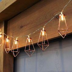 10 Mini Lanternes en Fil de Métal Couleur Cuivre - Dimensions 8,30 x 4,40cm 10 LED 0.06W par LED Total 0.6W - Éclairage Statique Blanc Chaud Activation Automatique Tous les Jours à l'Heure Choisie