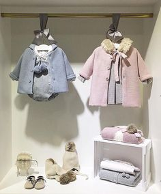 - Nos encantan estas propuestas de Beautiful•••Si te gusta déjanos . Storing Baby Clothes, Baby Kids Clothes, Baby Shop, Baby Store Display, Newborn Fashion, Kids Store, Cute Outfits For Kids, Handmade Clothes, Mom And Baby