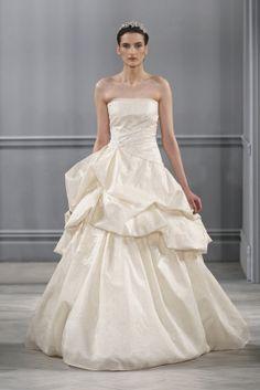 Vestido de novia color vainilla de Monique Lhuillier 2014. Foto www.moniquelhuillier.com