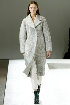 See the complete Jil Sander Fall 2014 Ready-to-Wear collection.