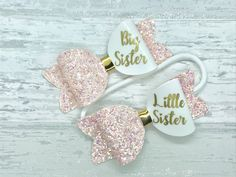 Glitter Art How To Make - Light Purple Glitter - Glitter DIY Gifts - Glitter Outfit Women - Glitter Carnaval Masculino - Clear Glitter Nails Clear Glitter Nails, Glitter Hair, Purple Glitter, Baby Bows, Baby Headbands, Glitter Outfit, Glitter Shoes, Personalized Birthday Gifts, Personalised Baby