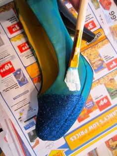 DIY Ombre Glitter Shoes
