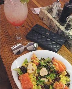 Para hoje almoço bem light! Quem ama?! 😋 #oticaswanny #dior #reflected