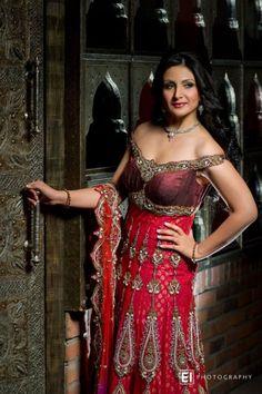Bombay Trendz Luxury Bridal Wedding Wear Dresses 2013, 490x737 in 95.2KB