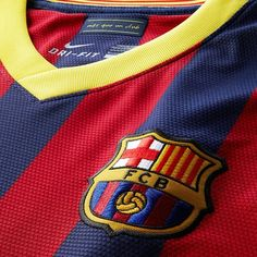 Bij Nike o. Soccer Players, Football Soccer, Fc Barcelona, Sports, Crests, Badges, Tops, Football Players, Hs Sports